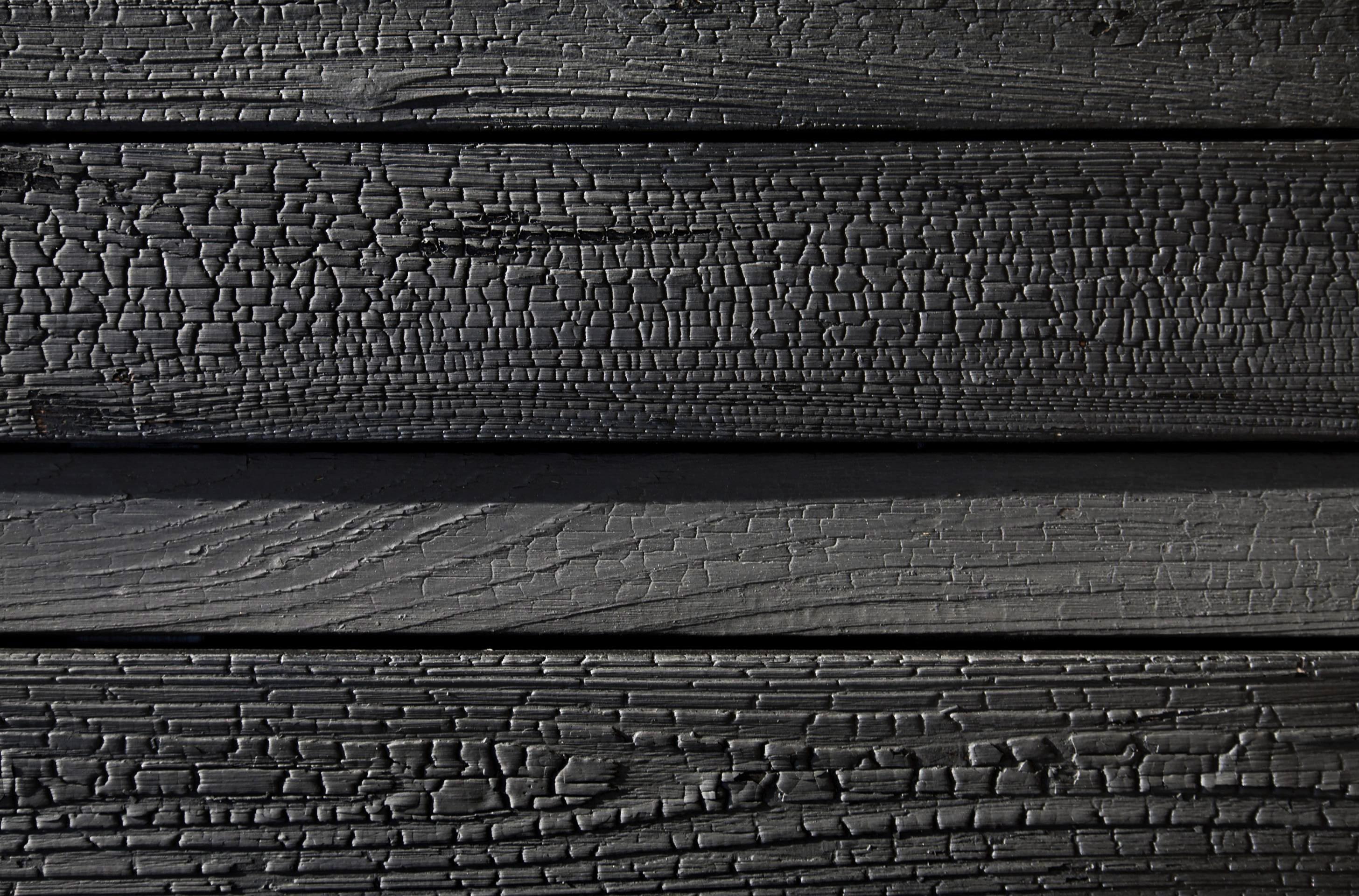 Le Fibre Del Legno shou sugi ban: dal giappone, la tecnica che brucia il legno